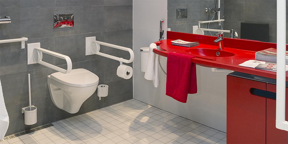 Rakennusbetoni- ja Elementti Oy:n esteetön kylpyhuone.